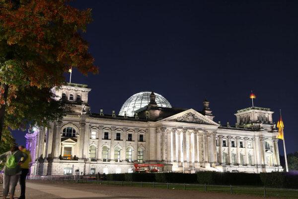 German SPD seeks allies to replace Merkel-led coalition